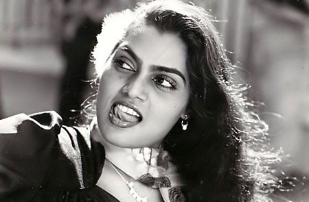 moviestalkbuzz: Silk Smitha Biography