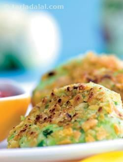 This classic combination of paneer and peas is loved by all. Instead of the regular peas-paneer gravy, make these succulent protein, fibre and calcium rich tikkis for a change. Kids can eat them easily and will love the crisp taste of these tikkis when served hot with tomato ketchup.