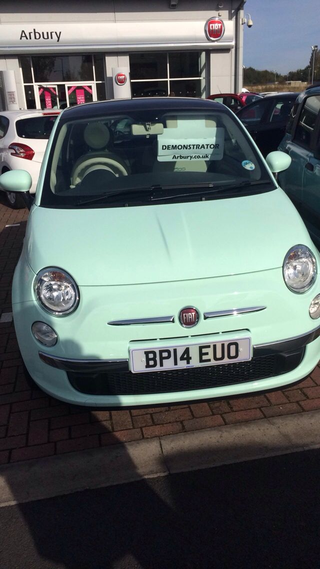Fiat 500 Lounge 1.2 in the new mint green pastel colour. 64 plate