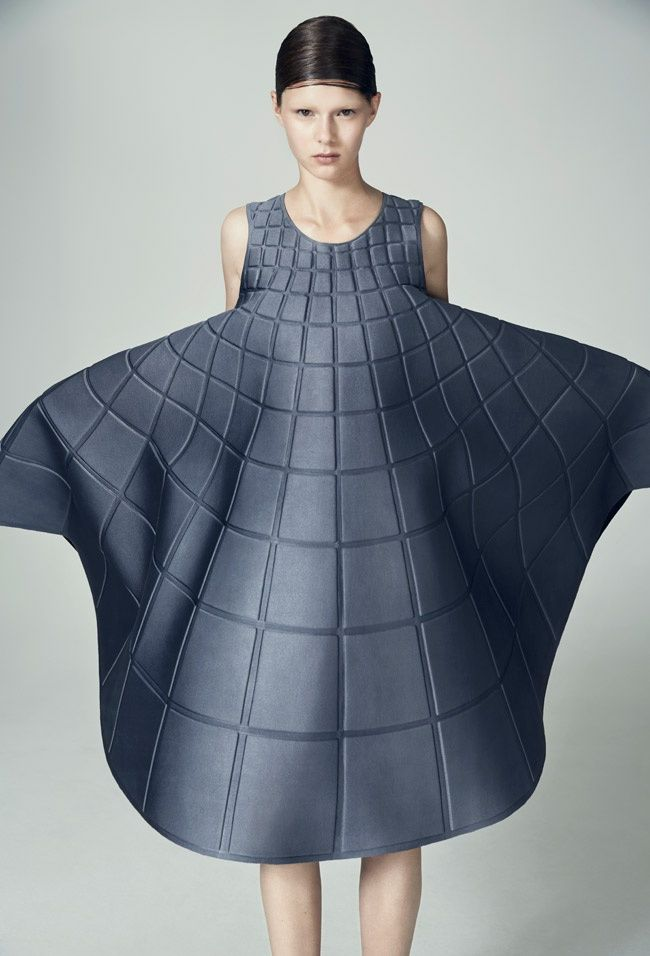 Fashion we like / Skirt / Squares / Pattern / Minimal / at exercicedestyle: BY MATILDA NORBERG