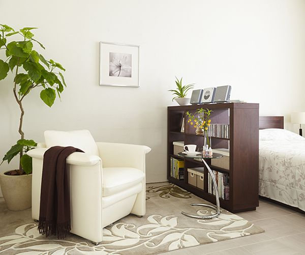 間仕切りにもなるオープンシェルフは見せる収納の代表格!|収納30選|家具・インテリアのIDC大塚家具