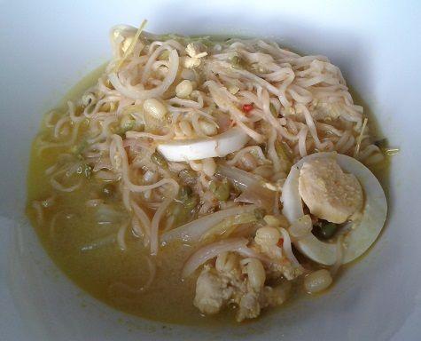 Emilia's Cuisine: Soto Ayam eli indonesialainen kanakeitto