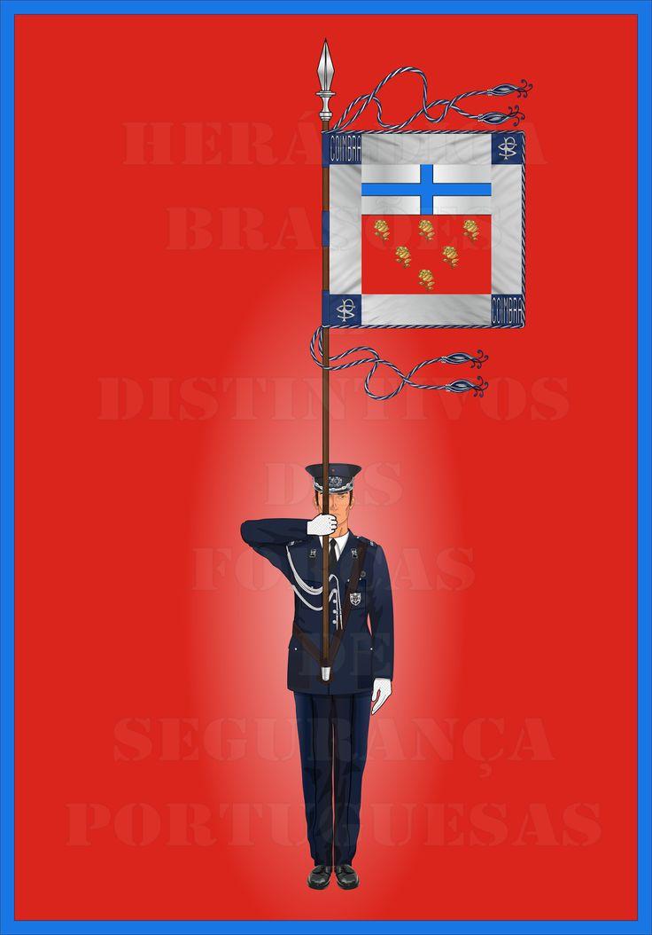 Heráldica - Brasões e Distintivos das Forças de Segurança Portuguesas  Porta-Guião do Comando de Polícia de Coimbra