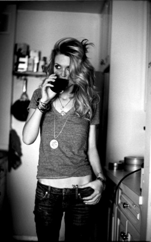 The hair, T, low-rise jeans and jewelry. Reminds me of @Leigh Alexander Stewart