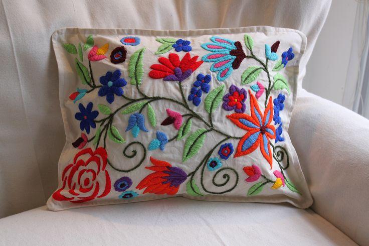 almohadones bordados - Buscar con Google