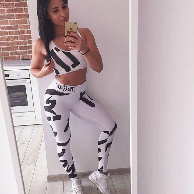 Śnieżynka :D Jak Wam się podoba ten zestaw? :) A na www nowy artykuł o tym, jak dbać o włosy: http://trecgirl.pl/jak-dbac-o-wlosy/ #selfie#fit#fitness#gym#bodybuilding#bikini#bikinifiness#fitnessmodel#diet#eatclean#jordan#gymwear#legs#workout#motivation#inspiration#sport#polishgirl#shape#body#picoftheday #fitinspiration #instafit #fashion #stylizacje #stylizacja #stylisation #dieta #moda #instablogger @patii_b_ @trecwear @trecnutrition