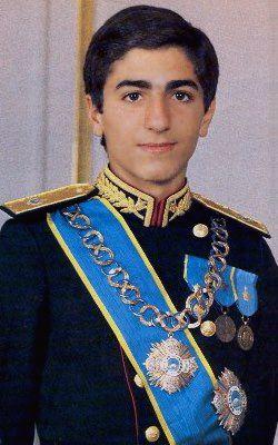 El príncipe Reza Ciro Pahlevi de Irán.