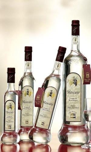 $28,00 Grappe da monovitigno, ottenute dalla distillazione di una sola qualità d'uva.   Prodotti garantiti dall'Istituto tutela grappa del Trentino.  Disponibili in diversi formati.  Moscato gusto:morbido.