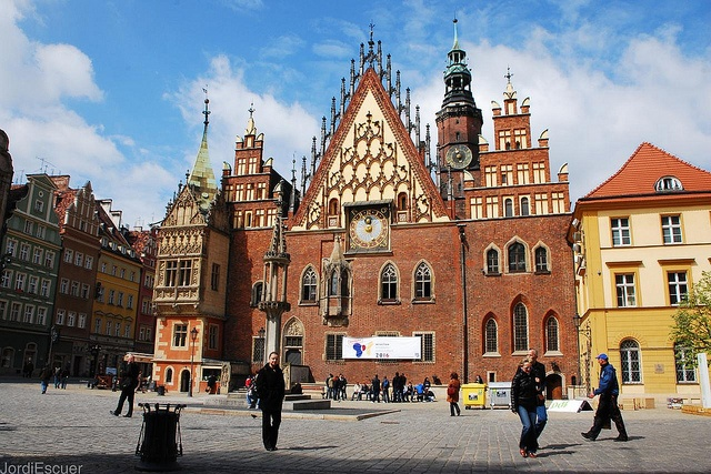 Town Hall in Wroclaw. How do you like it? (fot. Jordi Escuer/Flickr).
