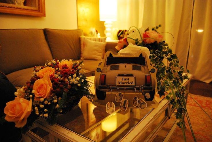 La macchinetta degli sposi per la confettata! Wedding car for sugared almonds!