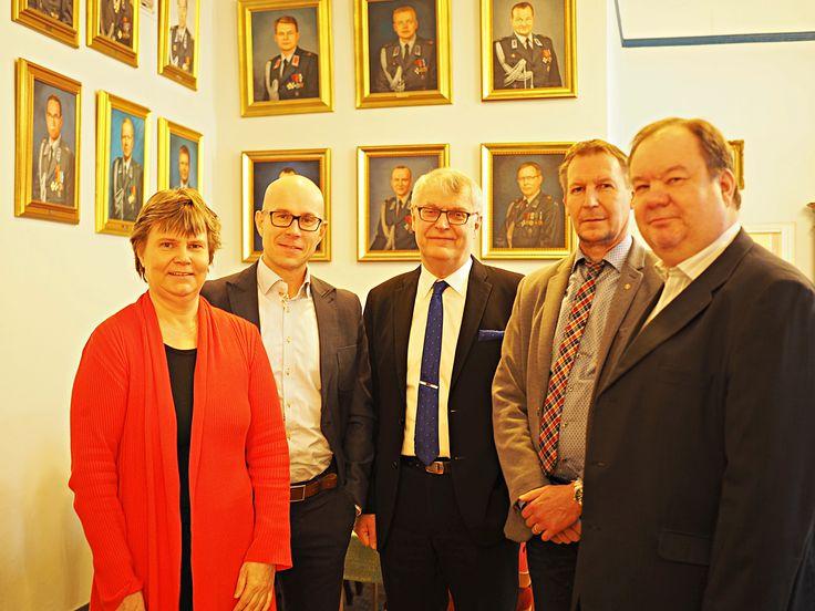 Johtajien johtajia Upseerikerholla, Lahden toiminta- ja johtamiskultturia rakentamassa.
