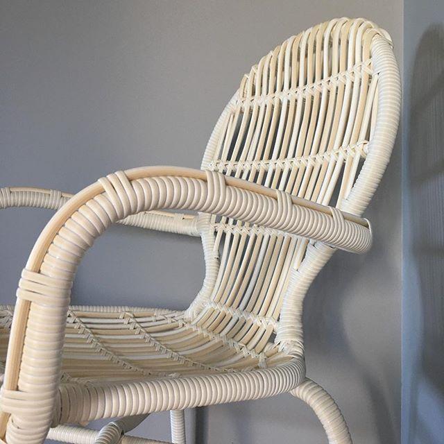 Krzesło Tia #noonu #mebleogrodowe #meble #krzesło #biel #szarość