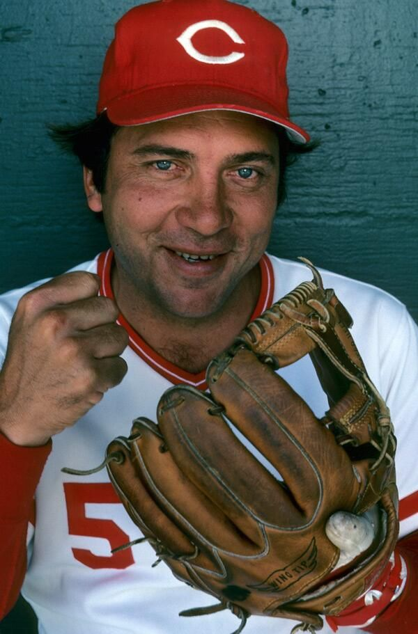 Johnny Bench in 1981 (shot by SI legend Walter Iooss): pic.twitter.com/zs09QPIsnr