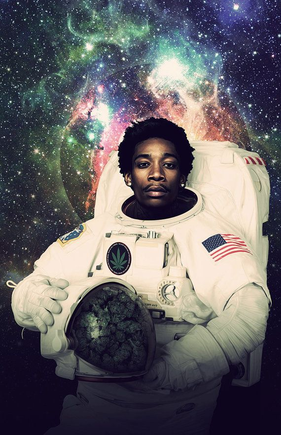 Wiz Khalifa Astronaut Poster A Smoking Space Print door Redfunkovich  Mas elevando que el espacio
