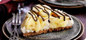 A real family favourite and great for hassle-free entertaining, this mouth-watering banana-topped pie can be drizzled with melted chocolate for ultimate indulgence.<BR><BR>