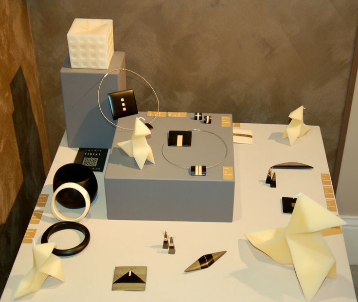 Black and White party, Works by Georges Larondelle, at http://www.desig-design.com
