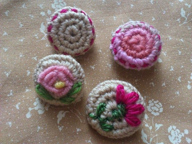 La Bande des Faineantes: How To Crochet Button - 10 free tutorials