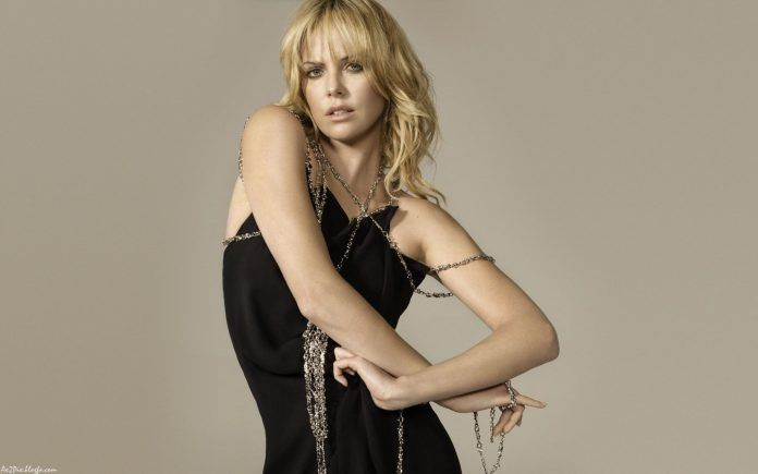 Charlize Theron Tied Golden Chain Wallpaper - HD Wallpapers - Free Wallpapers - Desktop Backgrounds