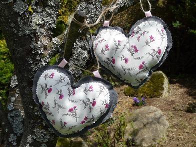 Offrez un cœur en lin et coton pour la fête des mamans !