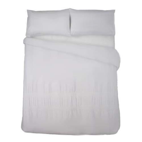 Luxurious Egyptian Cotton   300 Threadcount   100% Cotton   With matching pillowcase(s)