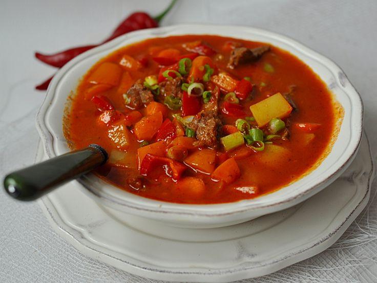 Pikantna zupa paprkowa