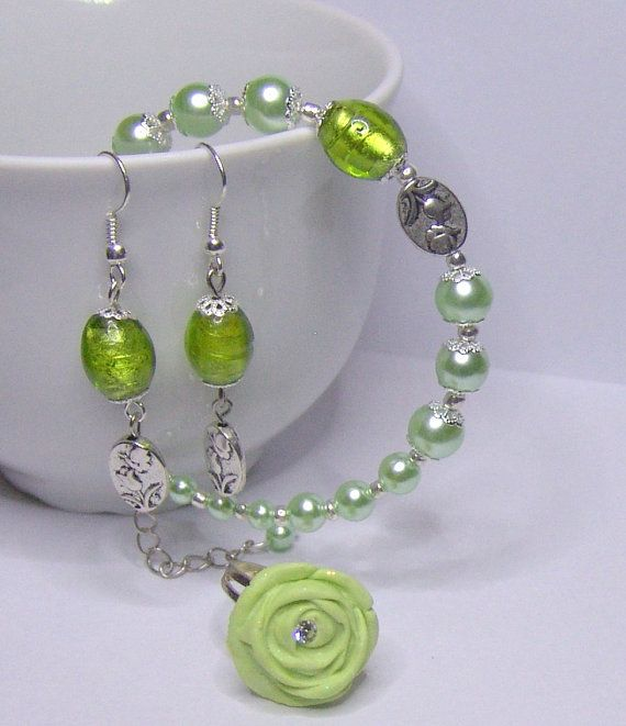 Green Rose  Earrings Ring Bracelet by 1000and1 on Etsy, €12.00