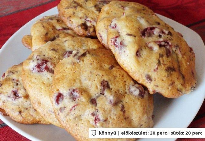 Meggyes csokoládés cookie