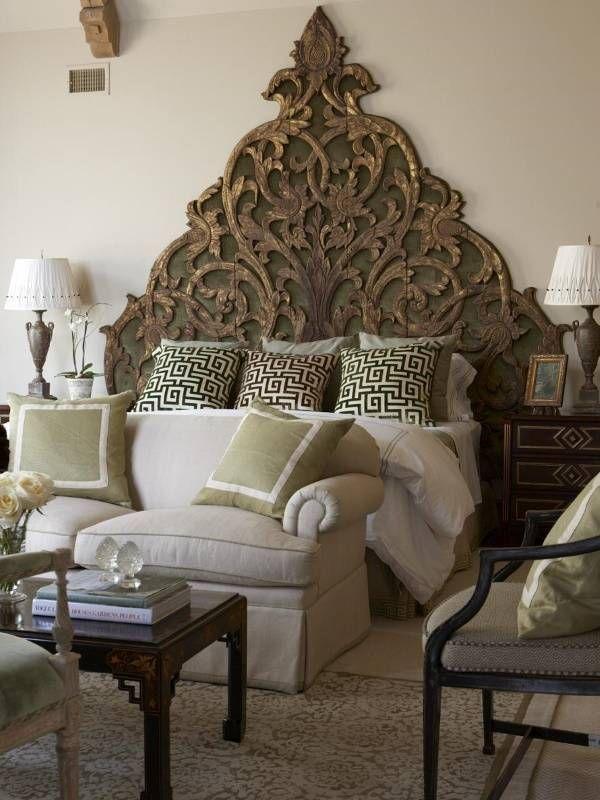 Интерьер спальни в восточном индийском стиле