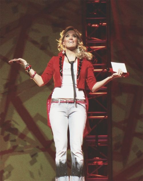 Carrie Underwood. Play On tour.