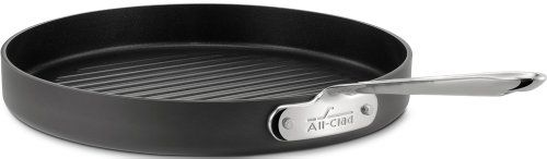 All-Clad 3012 Hard Anodized Aluminum Nonstick Round Grille Pan Specialty Cookware, 12-Inch, Black All-Clad http://www.amazon.com/dp/B00005AL8R/ref=cm_sw_r_pi_dp_u-Pcwb1RFG9A5