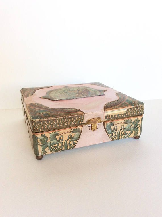 Old box. Vintage box. Shabby box. Shabby chic box. Old