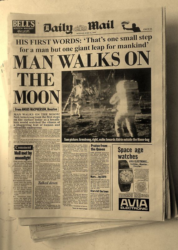 MAN WALKS ON THE MOON - Daily Mail historic vintage newspaper, July, 1969