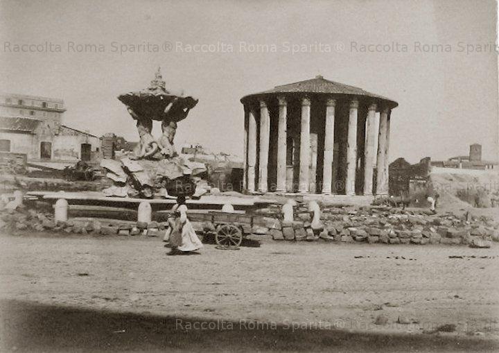 Piazza Bocca della Verità – Tempio di Ercole Olivario detto di Vesta Anno: Fine 800