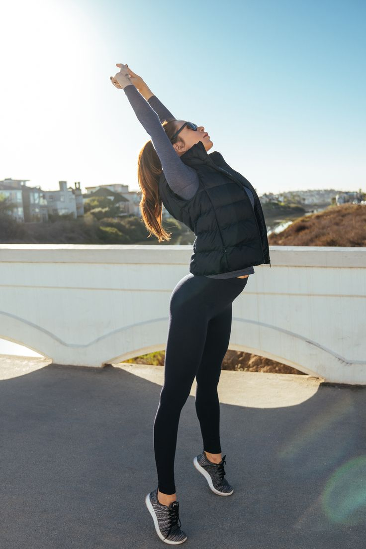 Ideal for your chilly, early morning run - HEATTECH Leggings stretch to give you the perfect fit while absorbing heat to keep your body warm. http://uniqlo.us/2fuGAmn