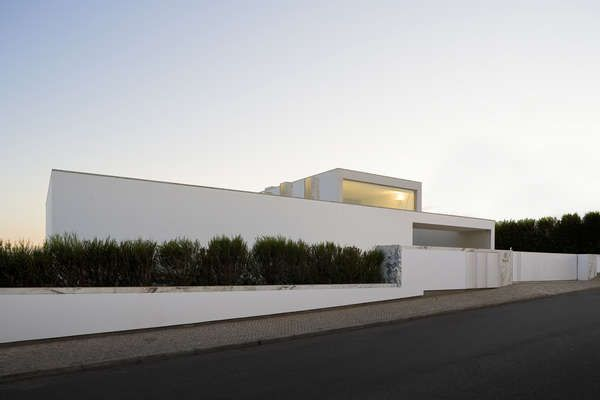 Some gorgeous architecture during our stay in #sagres #portugal by ARX Portugal Arquitectos. #white #minimalistic