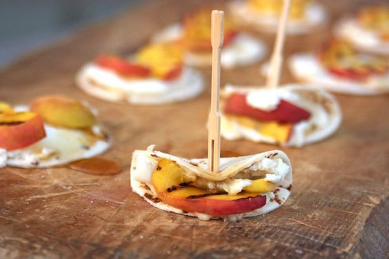 Mini Tortillas with Ricotta Cheese and Grilled Peaches