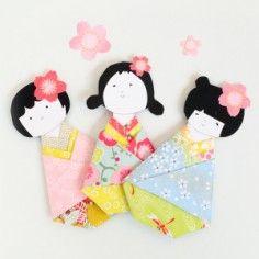 DIY petites poupées kokeshi aux kimonos colorés en papier japonais - Ateliers créatifs chez Adeline Klam