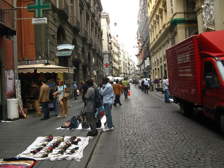 14-napoly-utcai-arusok.jpg (750×563)