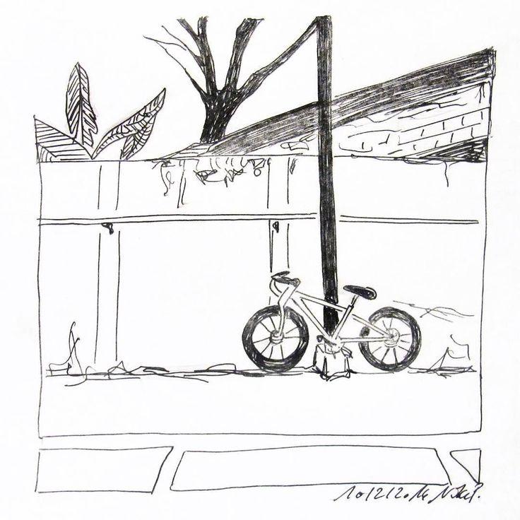 So ein Fahrrad erfordert irgendwie mehr Geduld und zeichnerische Akuratesse als ich zur Zeit aufbringen kann. Könnte man mal gesondert üben: gleichmäßige Kreise. #velo  #solobikeparking #kritzelnzwosechzehn #draweveryday #iamcreative #kinda