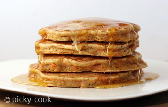 Carrot Cake Pancakes w. Cinnamon Honey Butter