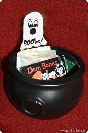 BOOks Cauldron Halloween for Children's Books {ObSEUSSed}Book Display, Children Book