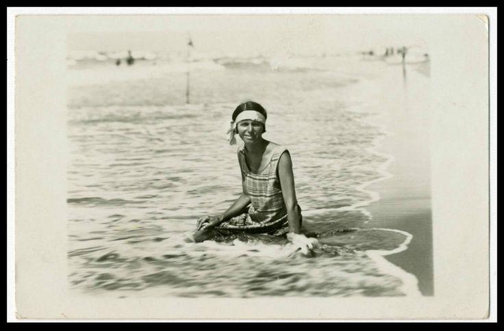 BAGNATA DAL MARE,BACIATA DAL SOLE-FOTO D EPOCA/OLD PHOTO-F.LLI BINI-PIADENA 1928