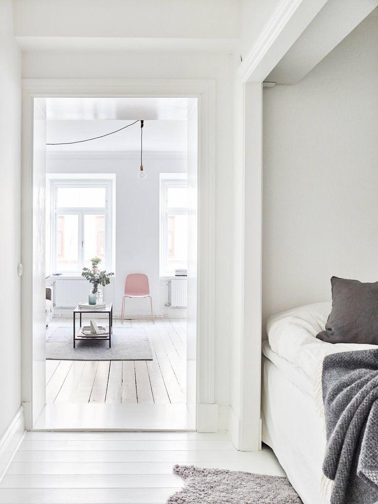 Wit gelakte houten vloer