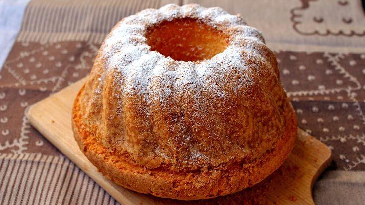 Babka puchowa, to klasyczna babka wielkanocna z pysznego wręcz puszystego ciasta o lekko zarumienionej skórce. Posypana cukrem pudrem będzie się pięknie prezentować na wielkanocnym stole.