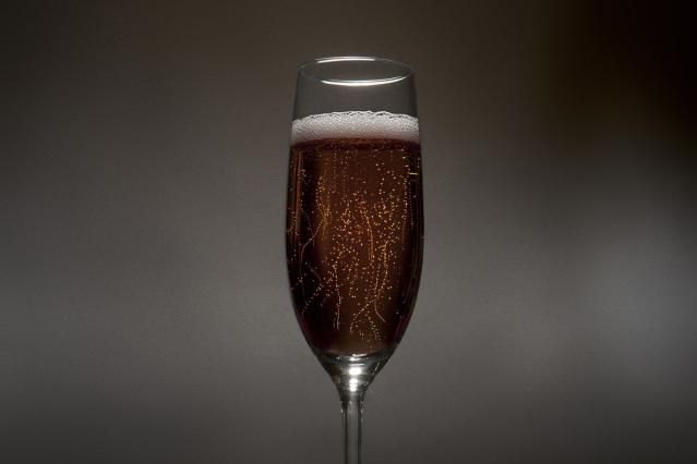 For the boys ----- Drink Like the Queen (Victoria, that is) with the Classic Black Velvet: Black Velvet