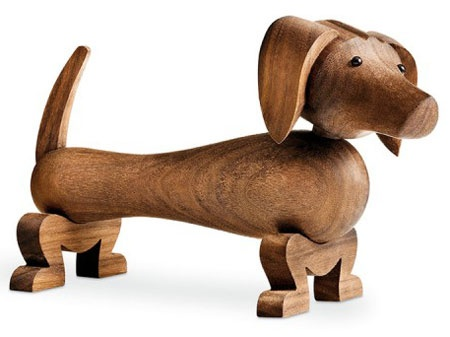 I love the texture of the wood on this gorgeous little dog