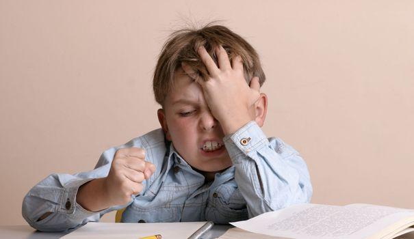 Comment aider son enfant à faire ses devoirs? - L'Express Styles