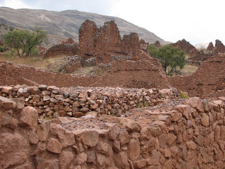 Piquillacta_Archaeological_site_-_building.jpg (2592×1944)