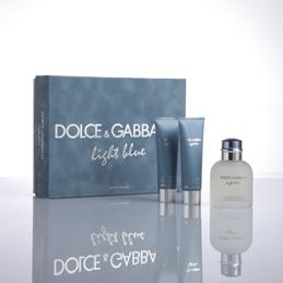 DOLCE & GABBANA  Light Blue Pour Homme  Indossare Light Blue è come tuffarsi nella profondità intensa di un mare turchese e avvolgere di freschezza il corpo arso dal sole.