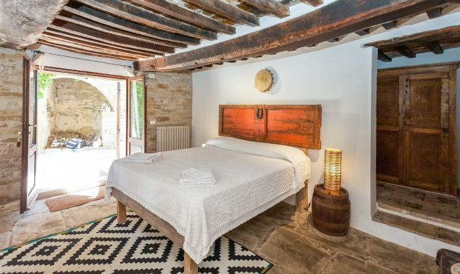 rustic, romantic - Small Hotel - Eco-Community Retreat, Umbria, Italy